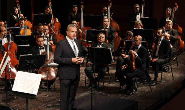 Cairo Symphony Orchestra performs the Hungarian Revolution's Melodies
