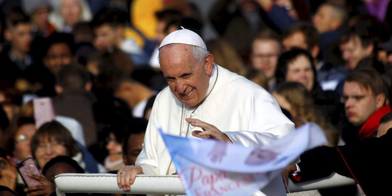 Pope meets young Christians studying in Hungary who were persecuted in homeland