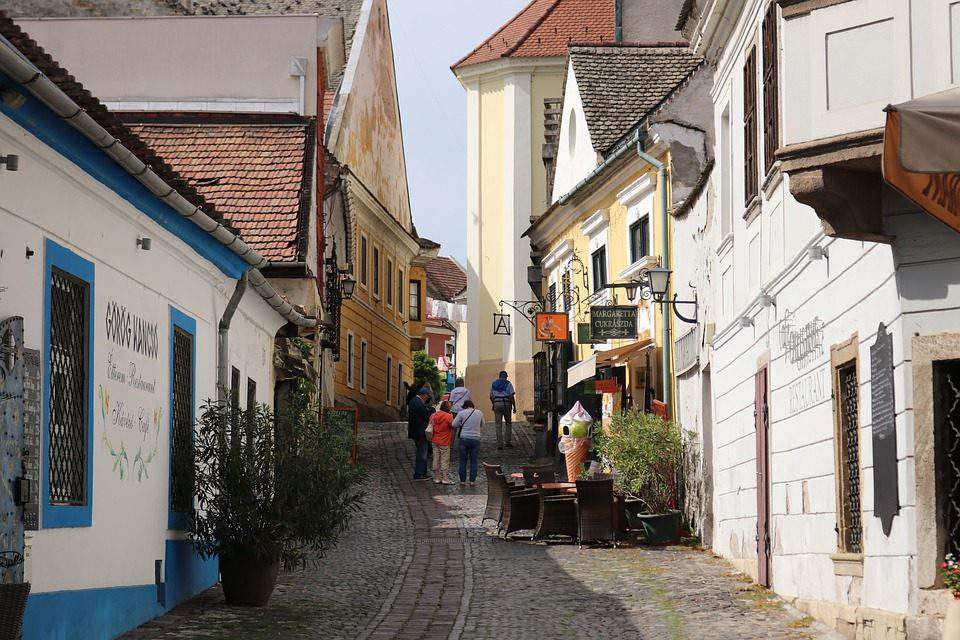 Hungarian Village programme to increase populations in rural areas