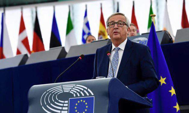 "Orbán ""no longer has a place"" in EPP, says Juncker"