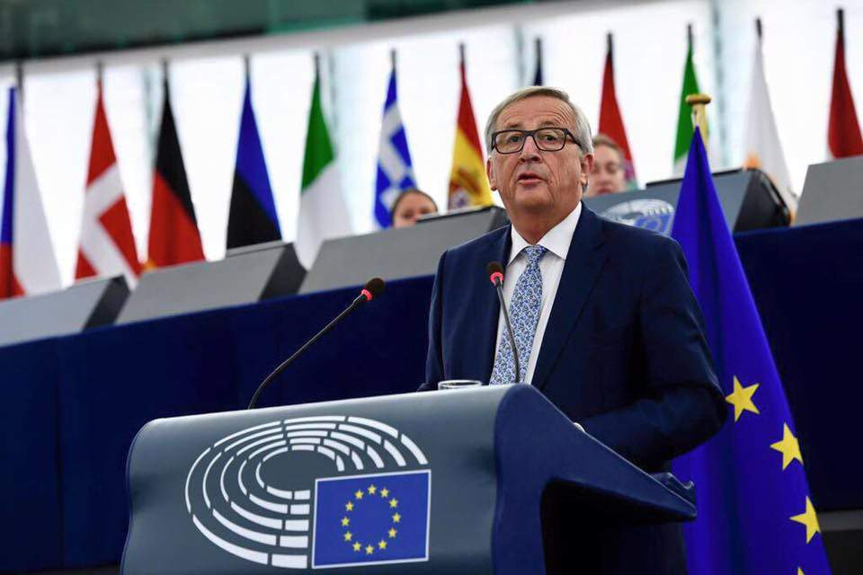 Juncker 'no longer' Christian Democrat, says Hungarian foreign minister