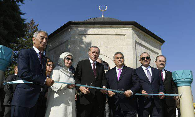 Orbán, Erdogan inaugurate renovated Turkish tomb