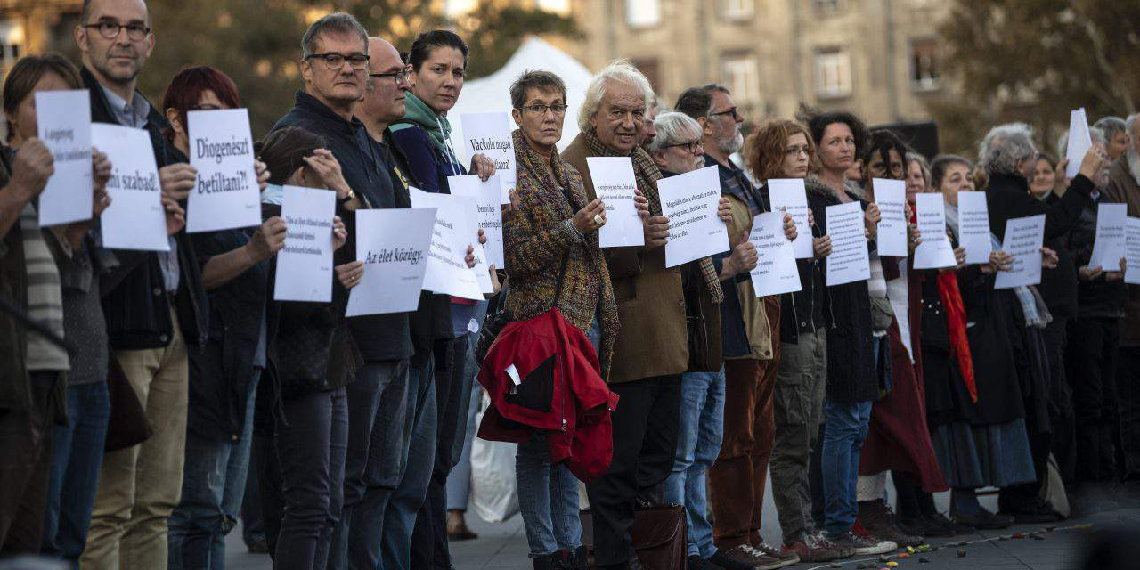 Demonstration held in Budapest against new law banning homelessness