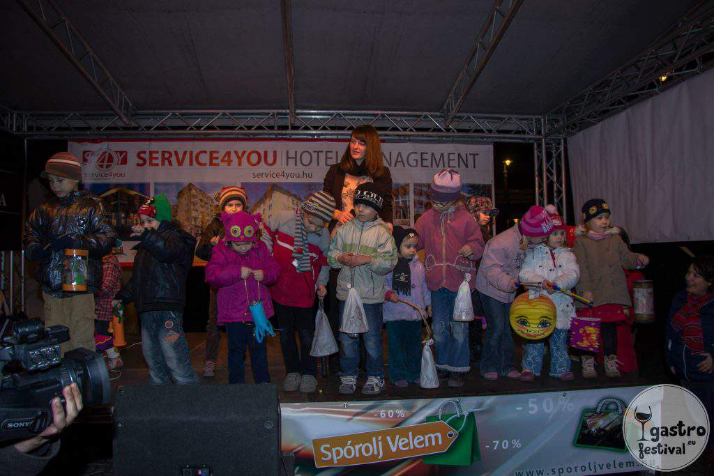 St. Martin's Day Szent Márton Nap Előadás Performance Children