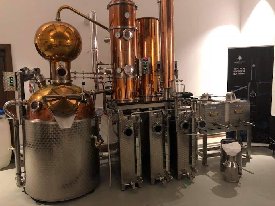 Pálinka Főzés Brewing Cauldron