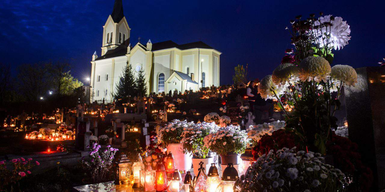 Budapest cemeteries expect hundreds of thousands on All Hallows – PHOTOS