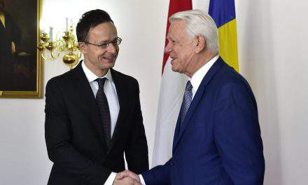 Hungarian foreign minister held talks in Romania