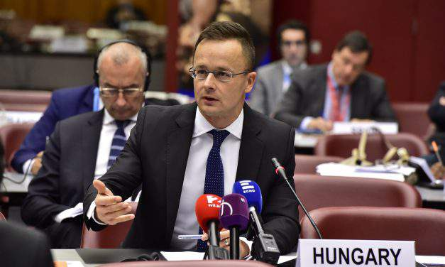 Foreign minister: Hungary rejects endeavours to encourage migration