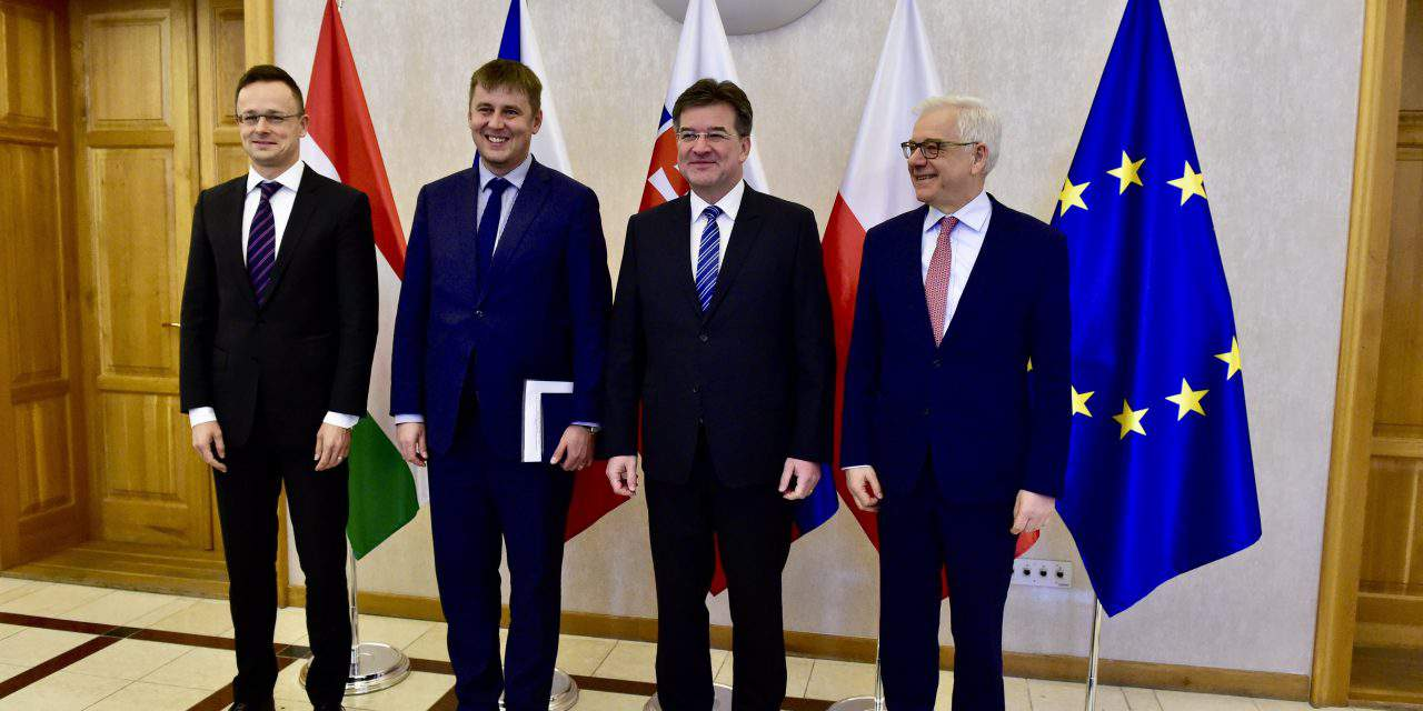 V4 planning to support Tunisia border defence, says Hungarian foreign minister in Prague