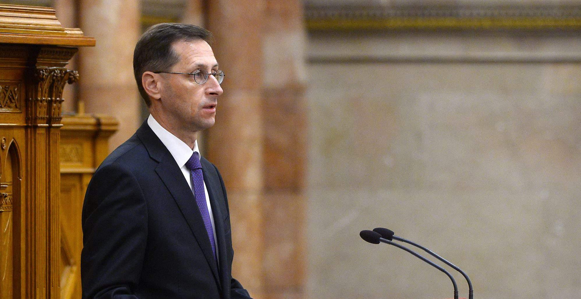 economy minister Hungary