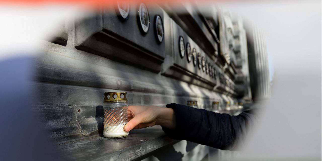 Hungary marks anniversary of 1956 Soviet reprisal – PHOTOS