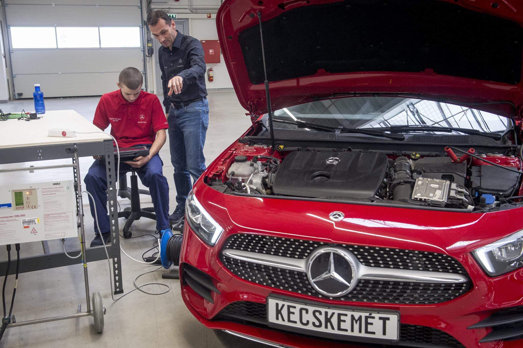 Mercedes Kecskemét factory