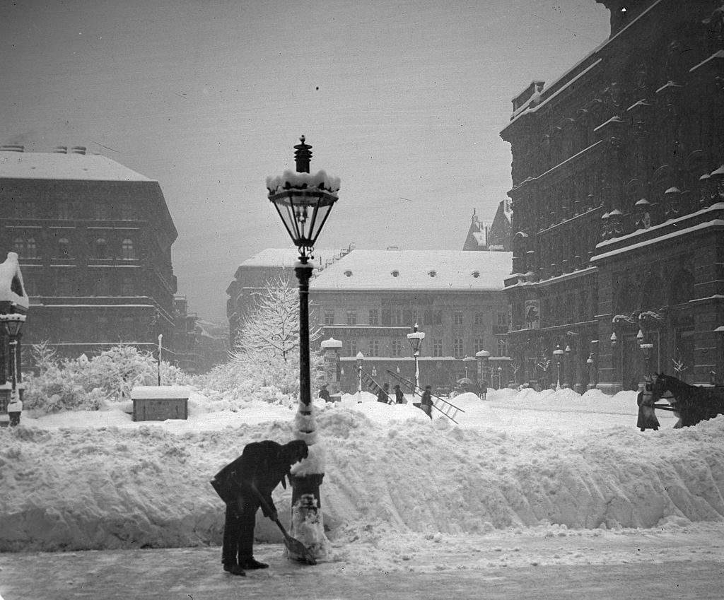 old, square, winter
