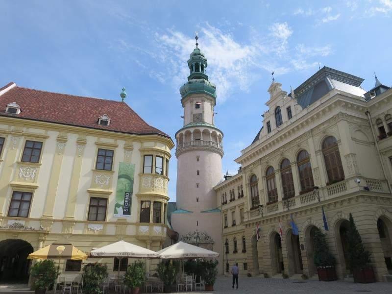 tower, sopron, buildingfacebook.com/orokutazoknak