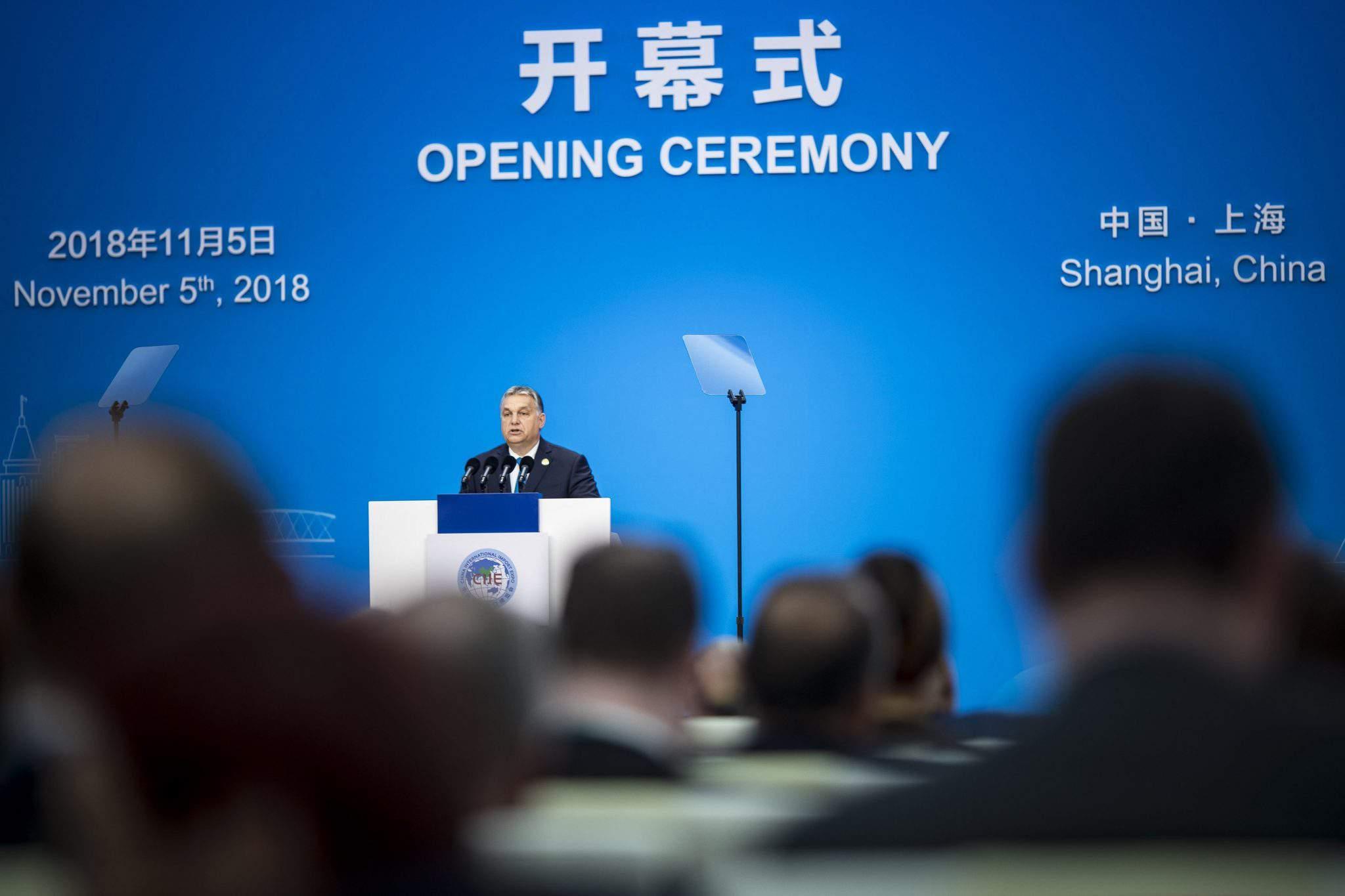 Orbán in Shanghai