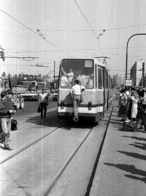 tram surf
