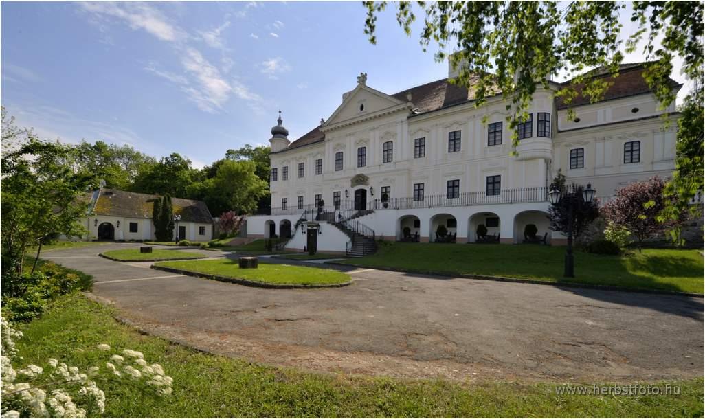 Telek-Degenfeld Castle Katély
