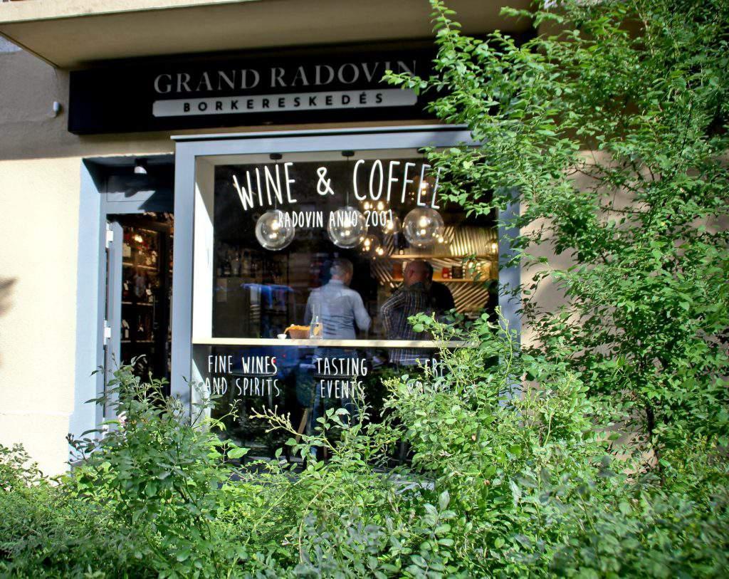 Radovin Wine Store Borkereskedés