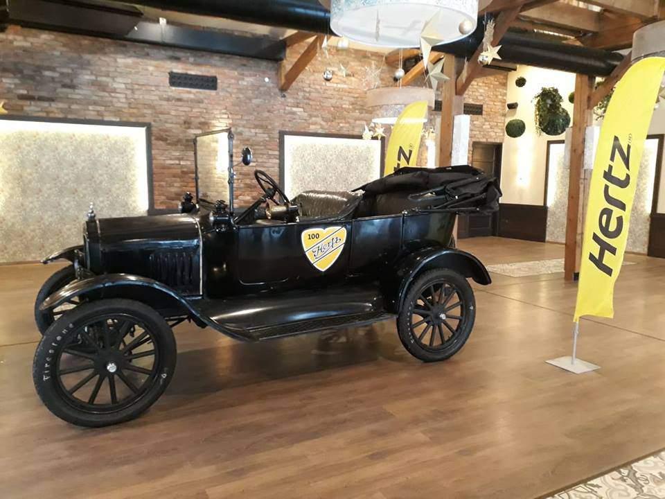 Ford Modet T Hertz Car