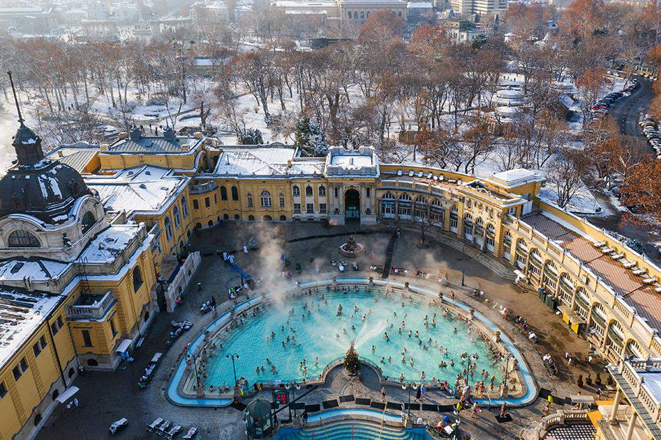 Budapest covered in snow – Winter photo gallery