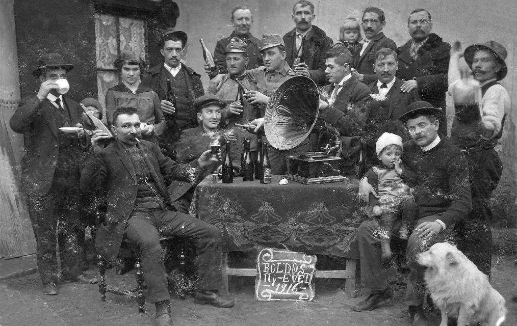 This is how Hungarians celebrated New Year's Eve through the 20th century