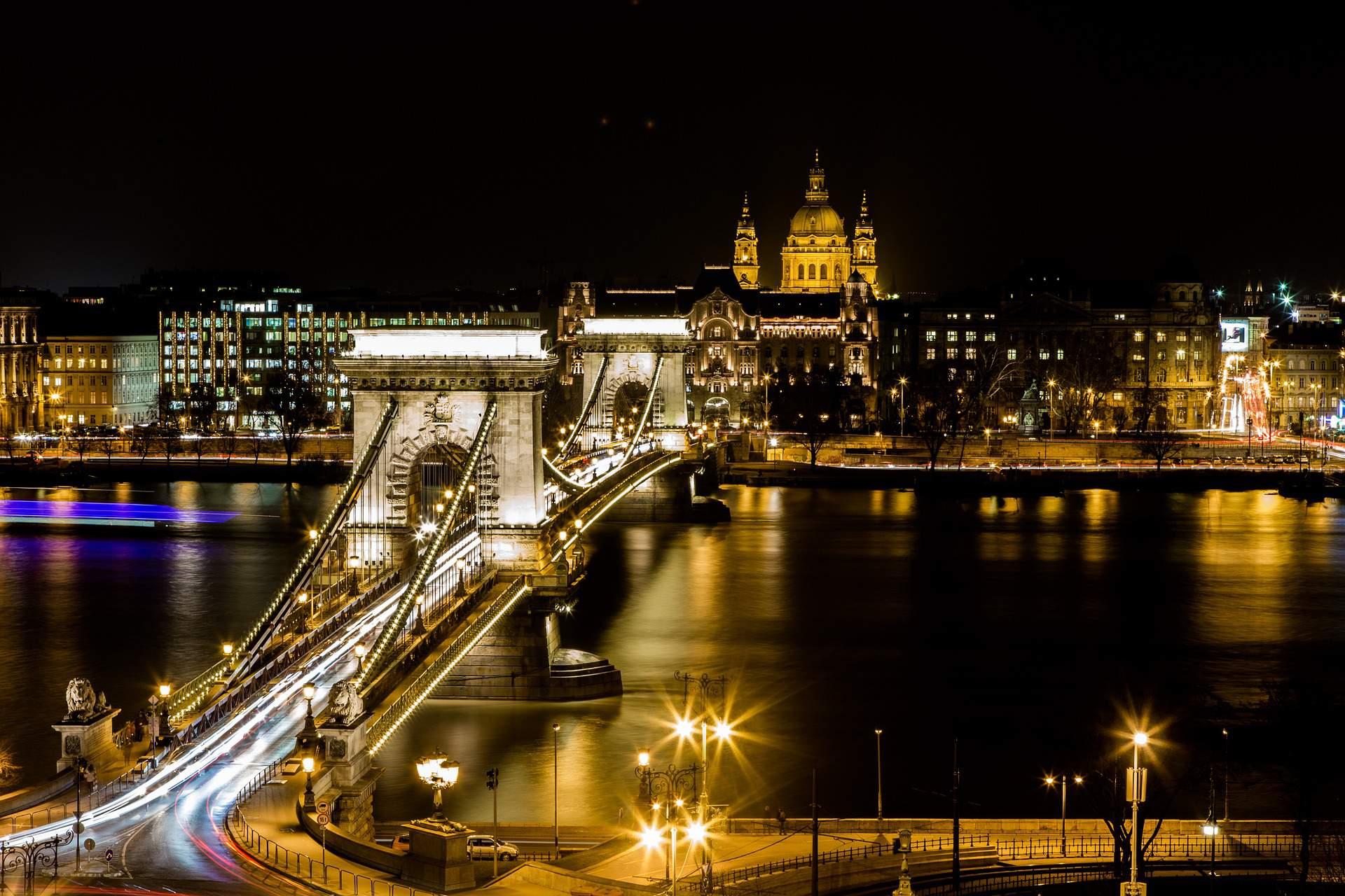 Budapest, Chain Bridge, view
