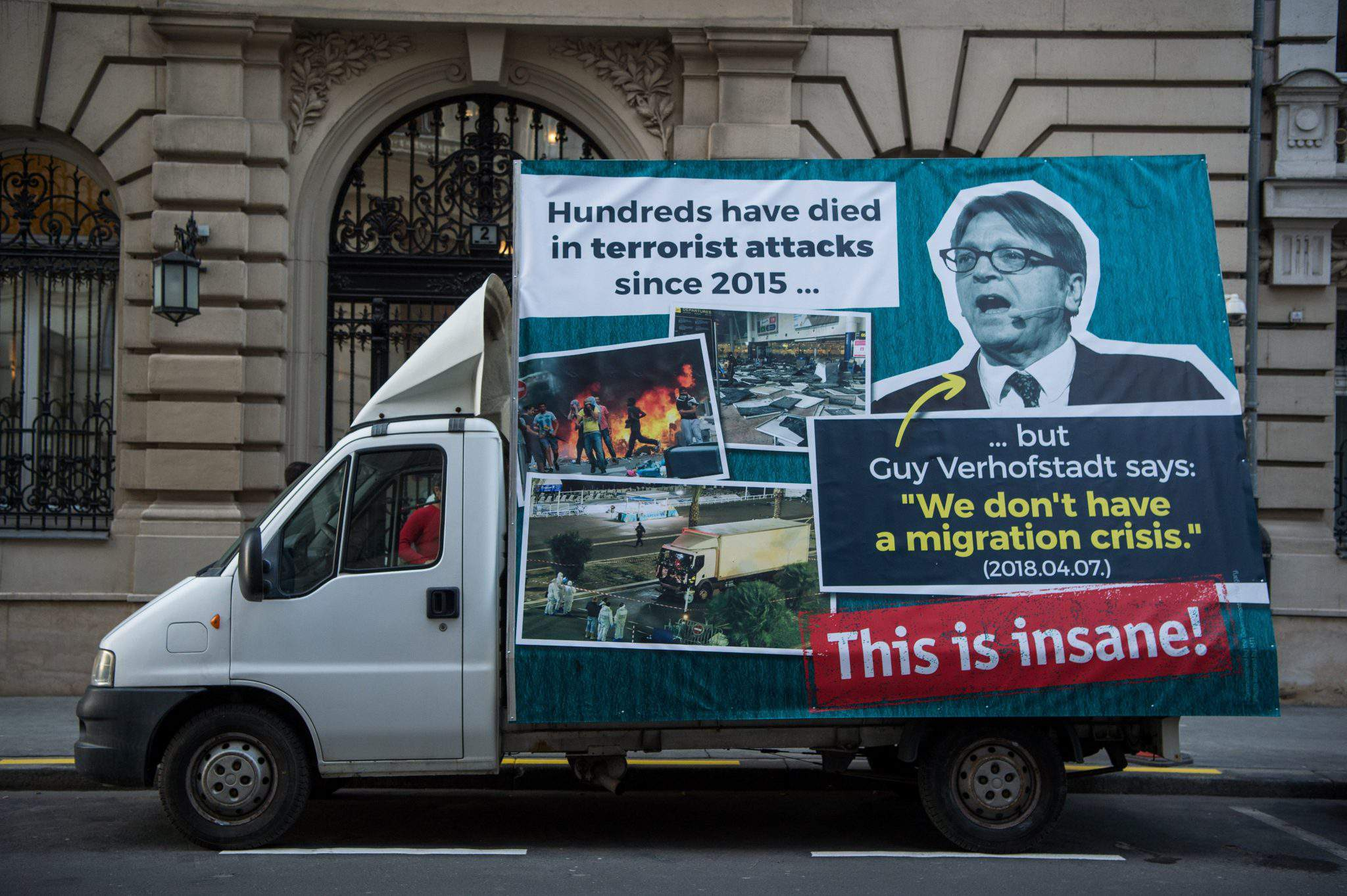 Orbán migration campaign truck