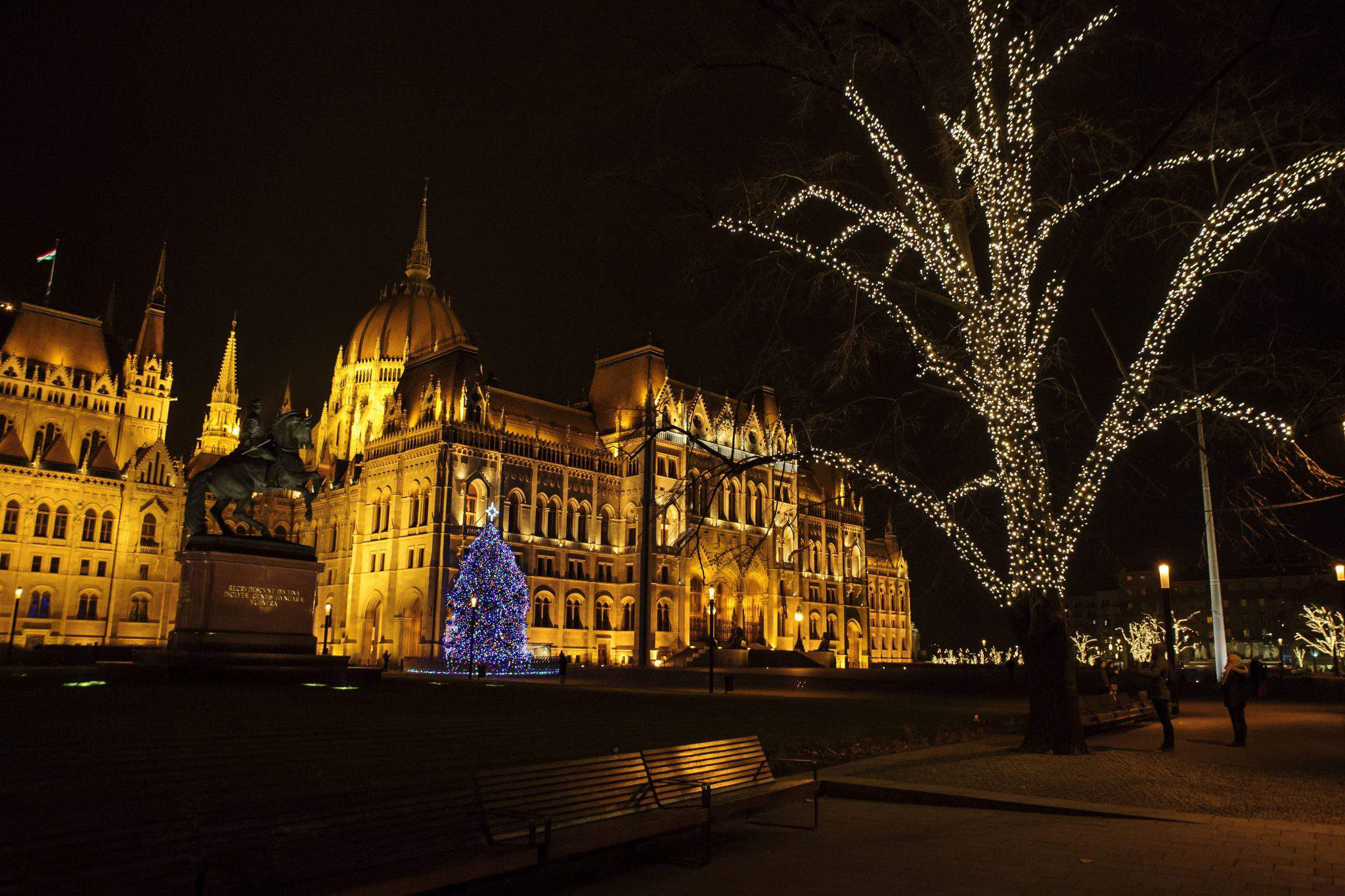 PArliament Hungary Christmas