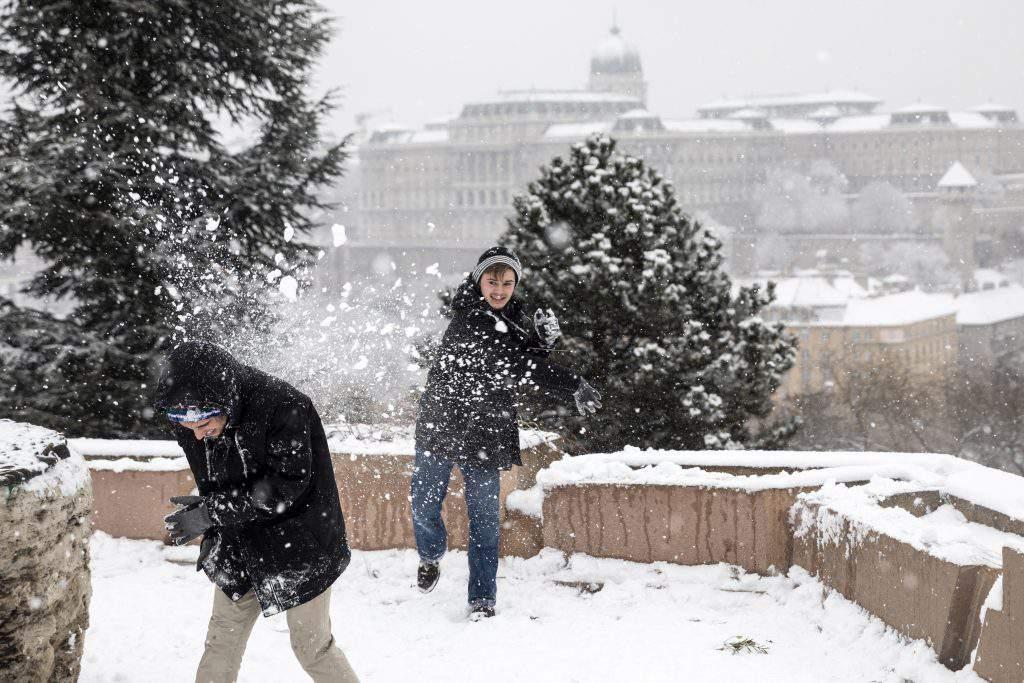 Budapest snow Buda castle