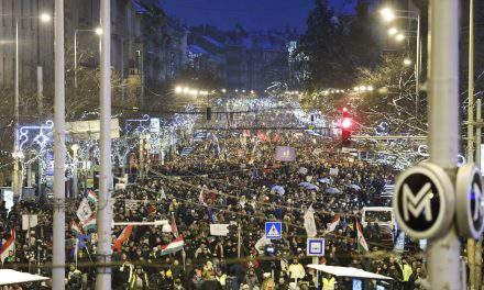Huge anti-government demonstration throngs central Budapest – Photos, LIVE VIDEO!