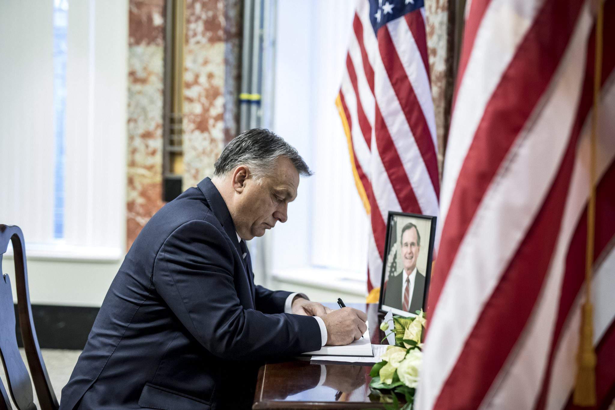 Orbán Bush US Embassy