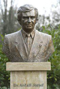 Antall statue
