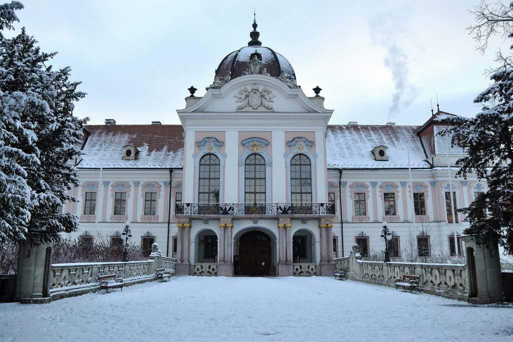 Grassalkovich Castle Kastély Télen