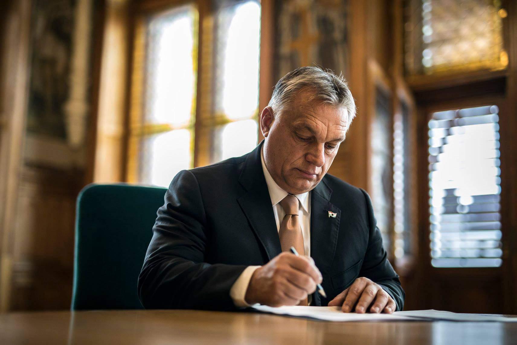 Orbán Viktor, prime minister, office
