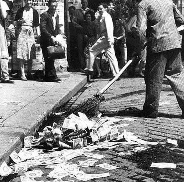 When one bread cost 5.85 billion pengő – the Hungarian hyperinflation – photos