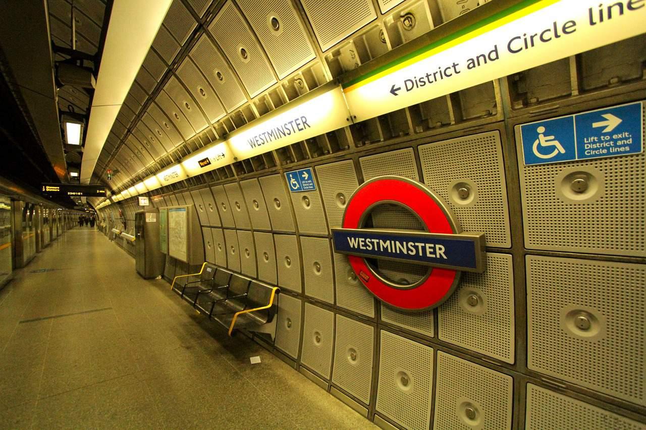 metro westminster tube london