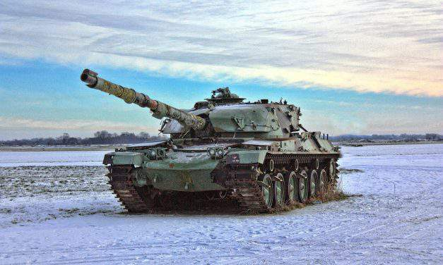 Hungarian army purchases tanks, artillery