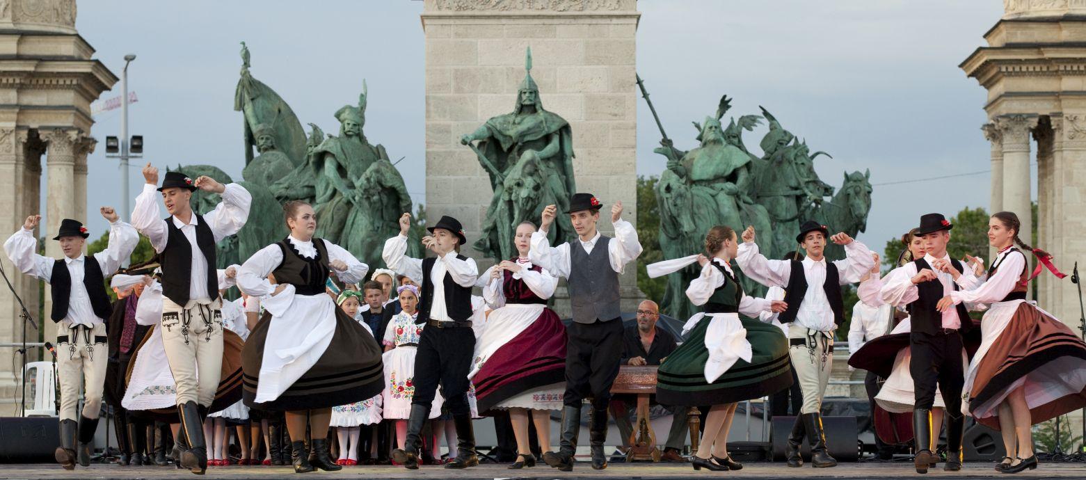 Duna Karnevál Danube Carneval