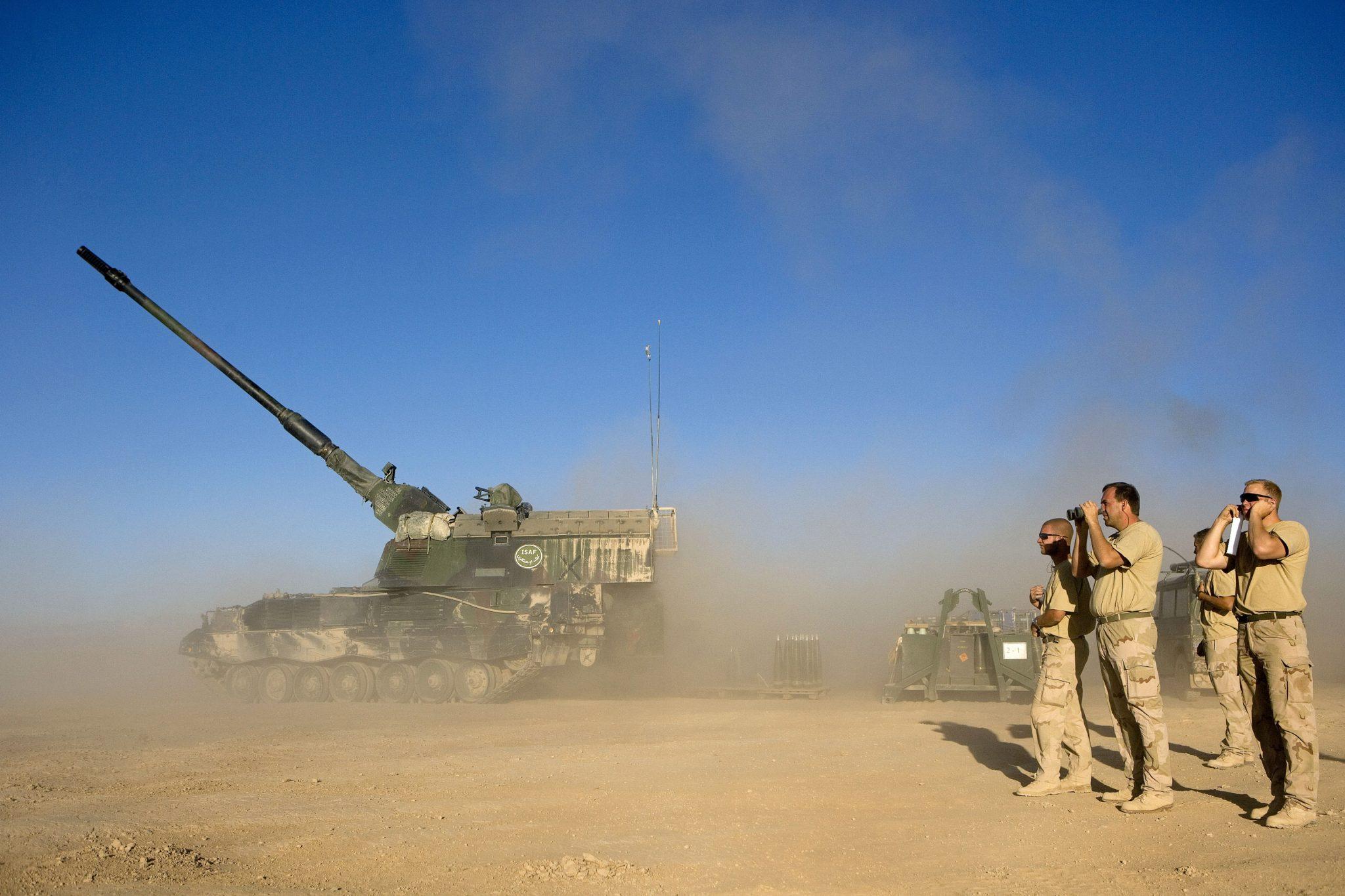Panzerhaubitze 2000 Tank Artillery Löveg Tüzérség