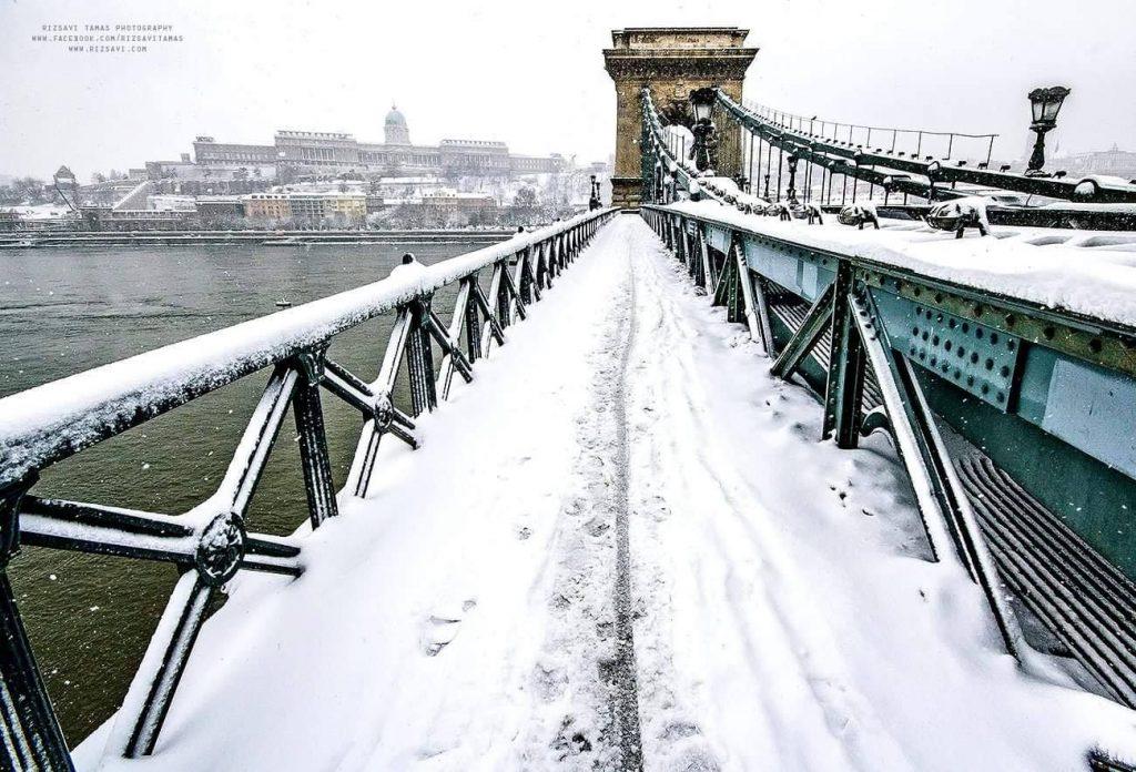 Budapest Snow Winter Lánchíd Chain Bridge