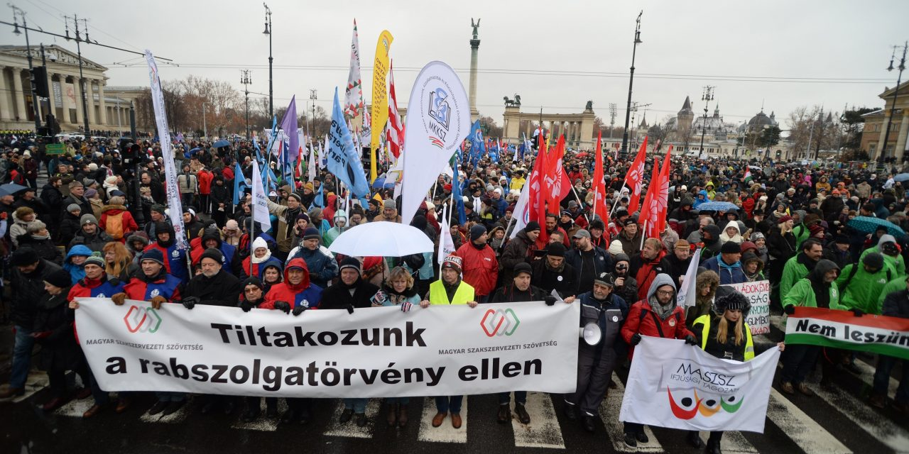 Fidesz: Anti-government protesters on Soros's payroll