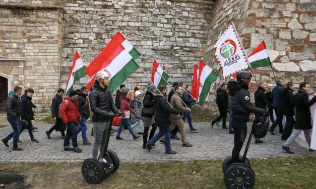 Jobbik to appeal election cttee rejection of referendum initiatives linked to 'slave law'