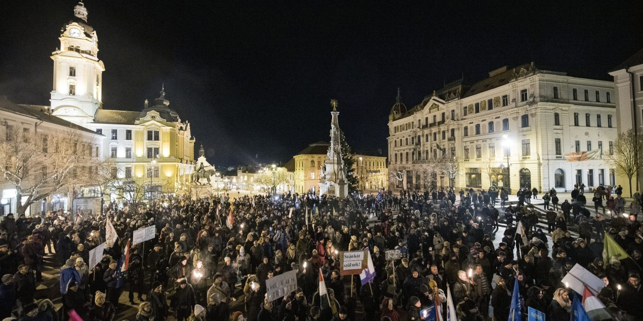 Protests staged against labour changes in Pécs, Szombathely