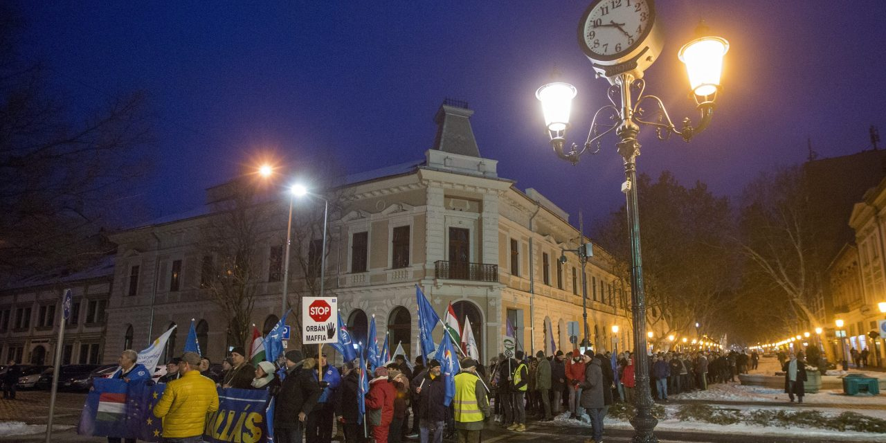 Opposition holds anti-government protest in Békéscsaba