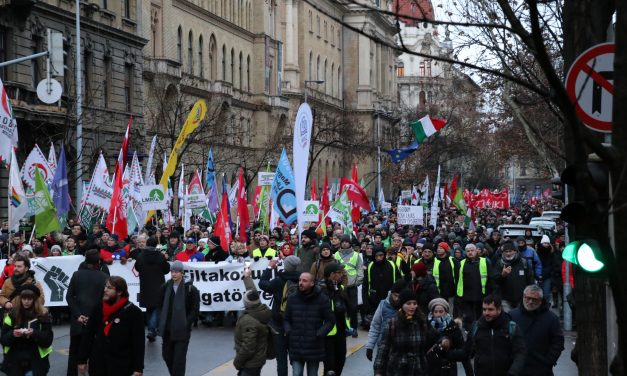 The Hungarian State Audit Office continues to financially undermine the Opposition?