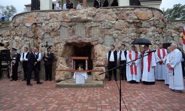 Commission preparing beatification of János Esterházy sworn in