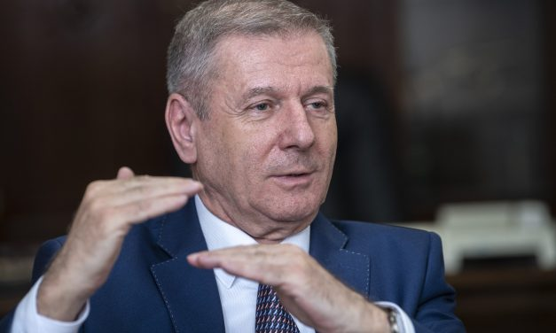 Migration biggest threat to Europe, says Hungarian defence minister