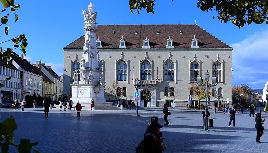 szentháromság square budapest