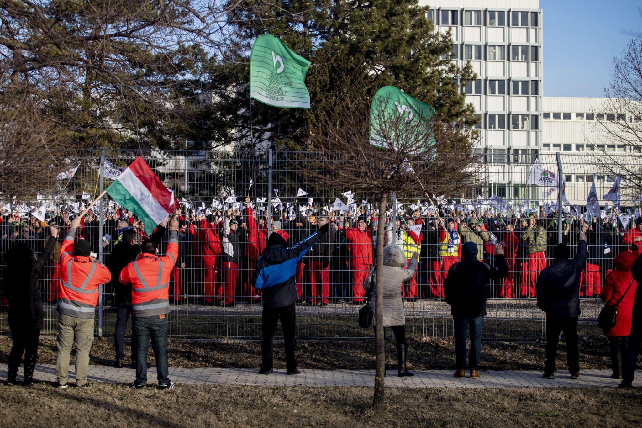 audi győr strike hungary