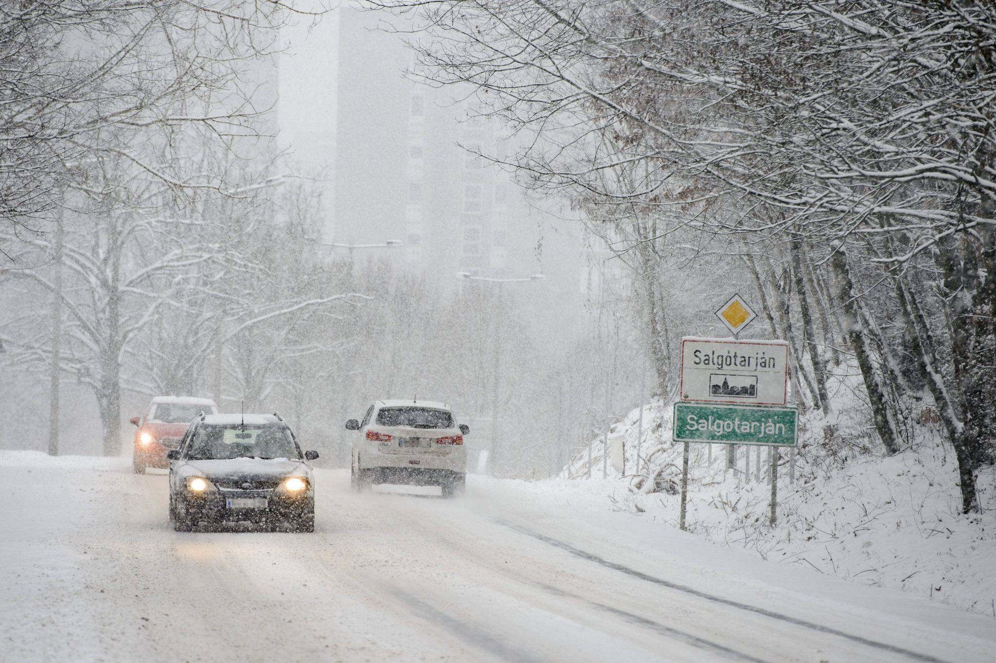snow Hungary car traffic